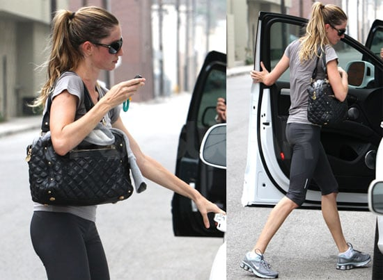 Pictures of Gisele Bundchen Leaving the Gym in LA 2010-06-30 15:00:00