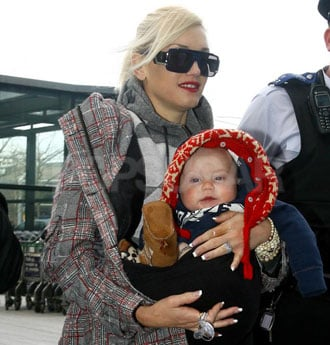 Photos of the Stefani-Rossdales at Heathrow