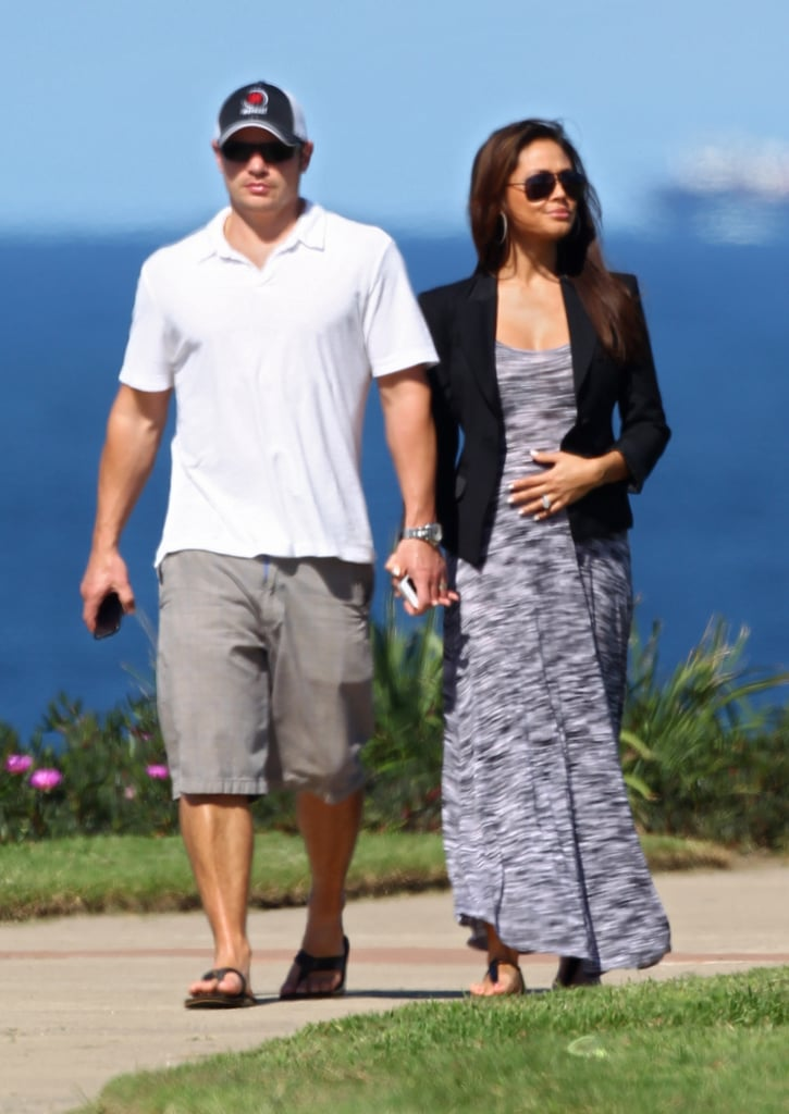 Pregnant Vanessa Minnillo went to Coogee Beach with Nick Lachey.