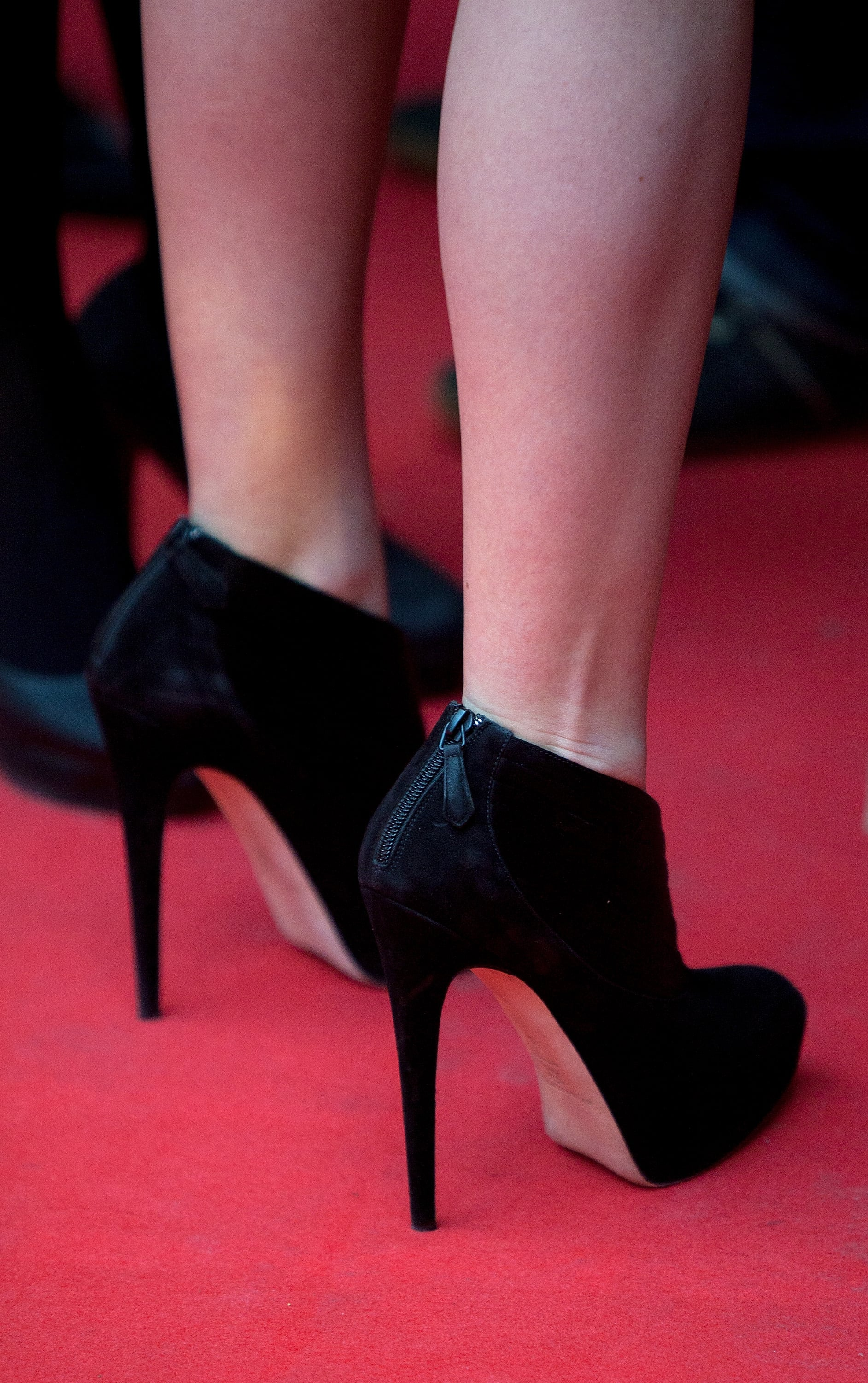 Jennifer outfitted the look with a pair of Brian Atwood booties — with a killer heel.