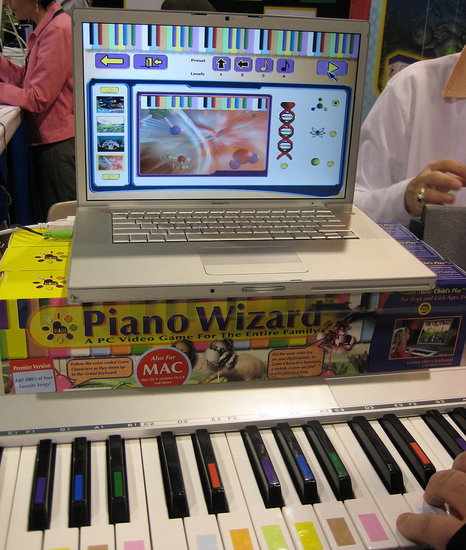 CES 2008: Learn How to Play and Read Music With Piano Wizard