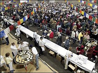 Fargo Breaks World Record for World's Largest Pancake Feed