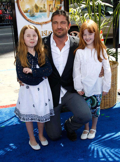Gerard Butler took his nieces Katy and Rachel as his dates to the premiere.
