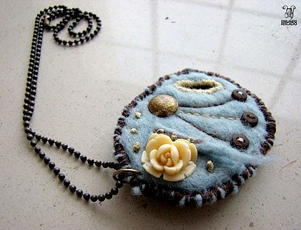 Etsy :: pirilamporiscado :: Necklace/Pin 1 (2 in 1)