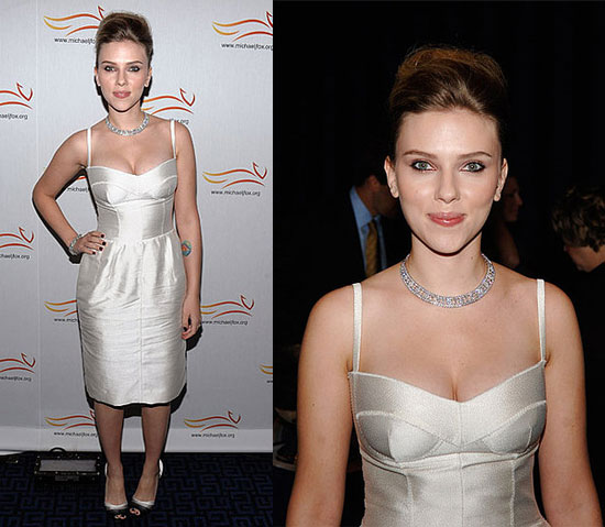 Scarlett Johansson in an Ivory Dolce & Gabbanna Dress at the A Funny Thing Happened on the Way to Cure Parkinson's Benefit