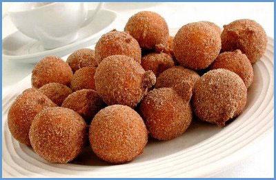 Brazilian doughnuts (Bolinho de chuva)