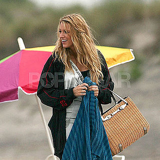 Photo of Blake Lively Filming Gossip Girl 2008-06-26 23:10:21