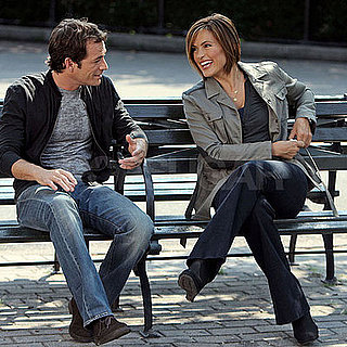 Photo of Luke Perry and Mariska Hargitay Filming Law and Order: SVU