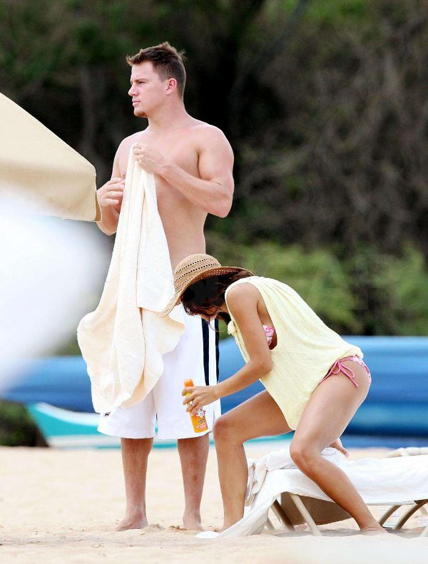 Channing and Jenna Have More Hawaii Bikini Kissing To Do