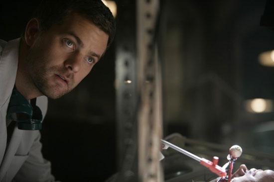 "Fringe Recap: Episode Two, ""The Same Old Story"""