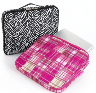 Jansport's Still Hookin' It Up, This Time With Laptop Sleeves