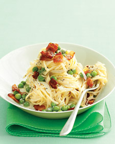 Fast & Easy Dinner: Pasta With Bacon and Peas