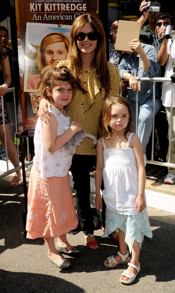 Rachel Bilson and Sis