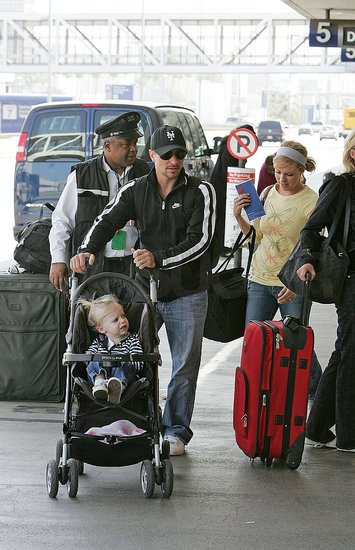 Drew Lachey and his girls at LAX. Brother Nick dropped them off - how sweet.