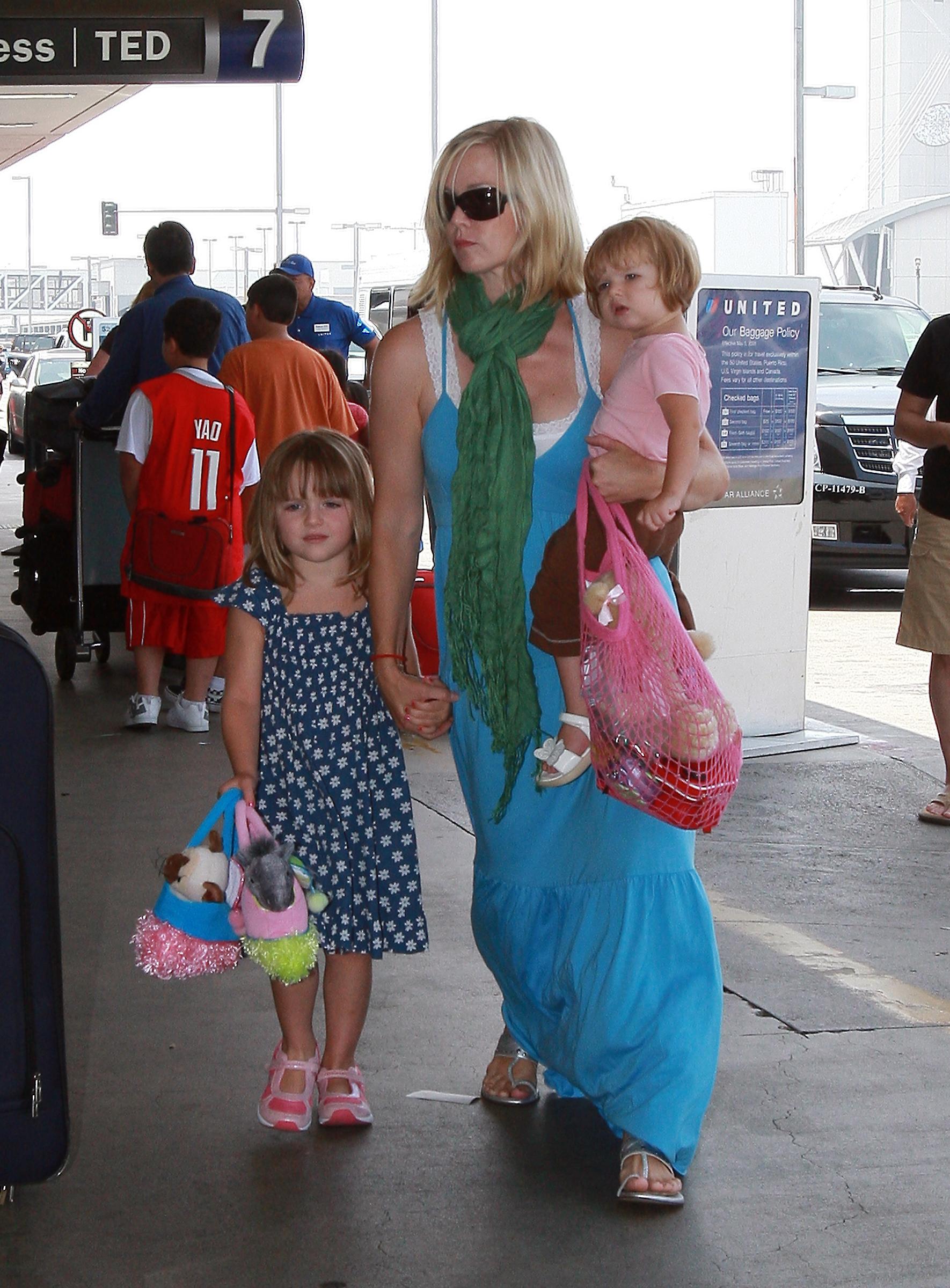 Jennie Garth and Girls at LAX