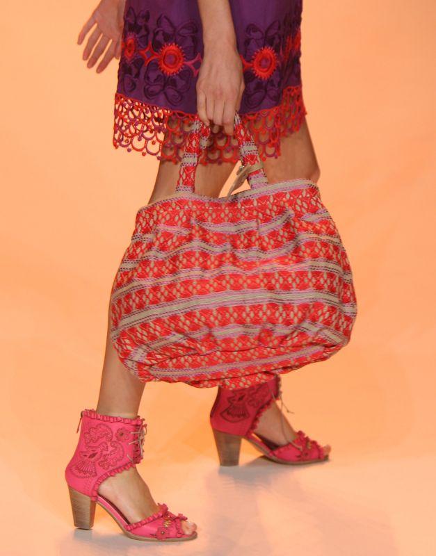 Anna Sui Spring 2009
