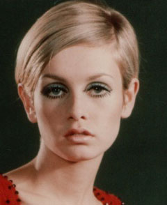 How To Do Twiggy's Makeup and Hair for Halloween