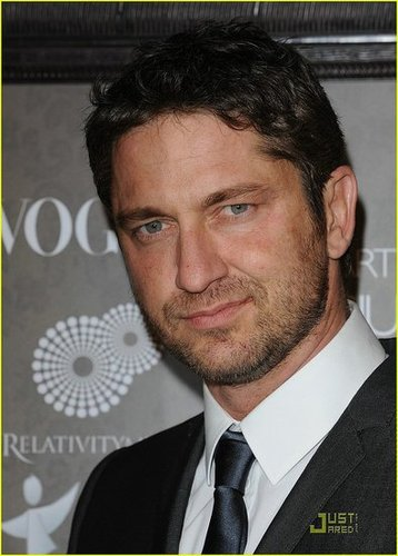 Gerard Butler - The Art of Elysium 2009