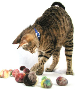Make Cat Toys From Your Extra Yarn