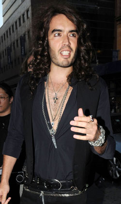 Sugar Bits — Russell Brand To Host MTV Video Music Awards
