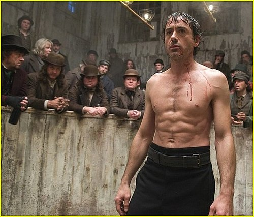 Robert Downey Jr in Sherlock Holmes... Smokin' hot!!!!