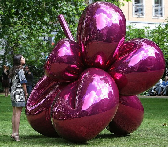 This Just In: Jeff Koons Sculpture in London Park