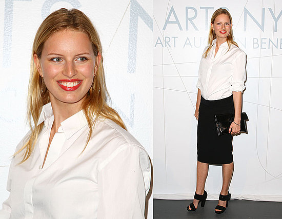 Karolina Kurkova Attends 2009 Free Arts NYC Benefit Auction in White Button-Down Shirt and Black Pencil Skirt