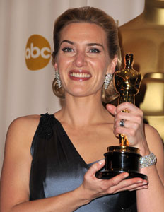 Kate Winslet Glows Live From the Press Room!