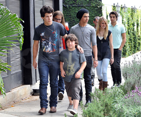 Photo of Joe, Nick, and Frankie Jonas Out in LA