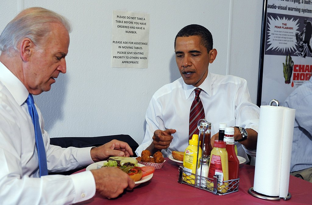 President Obama's Lunchtime Visit to Ray's Hell Burgers | POPSUGAR ...