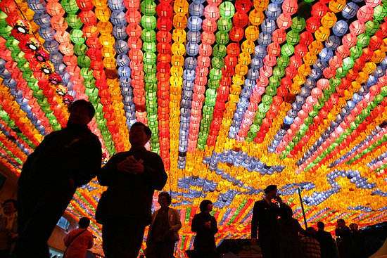 Oh Snap! South Korea (En)lights Up For Buddha's Birthday