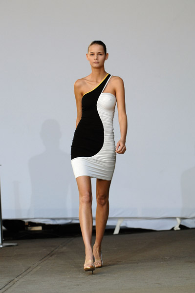New York Fashion Week Trend Alert: One Shoulder