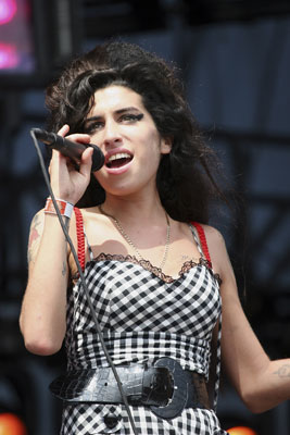 Amy Winehouse's 2019 tour: why dead celebrity holograms ...