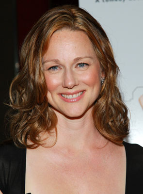 Sugar Bits - Laura Linney Is Engaged!