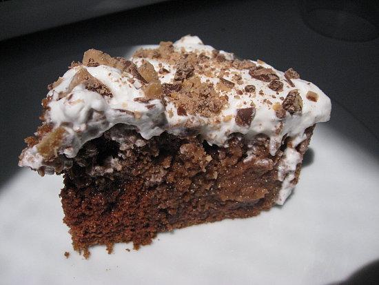 I Heart Candy: Heath Bar Cake