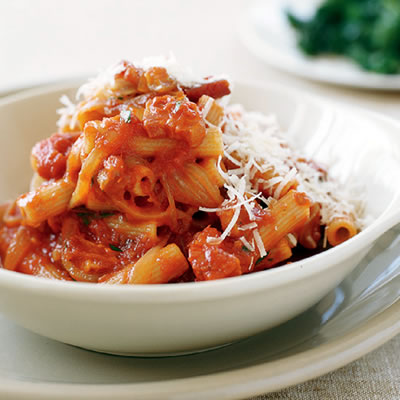 Fast & Easy Dinner: Whole Wheat Rigatoni with Bacon