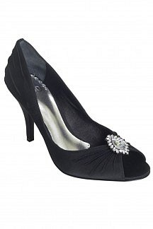 Miamonte pleat jewel mule at oasis-stores.com