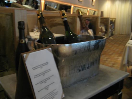 Happy Hour: Pierre Peters, Cuvée de Réserve, Brut, Blanc de Blancs