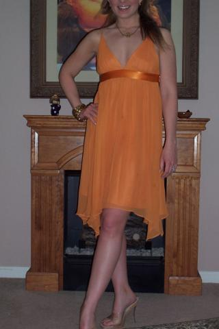 Look of The Day: Lady in Tangerine