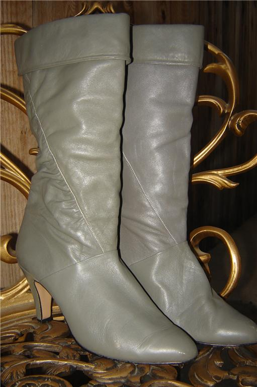 eBay Find of the Week: Vintage Gray Ankle Boots
