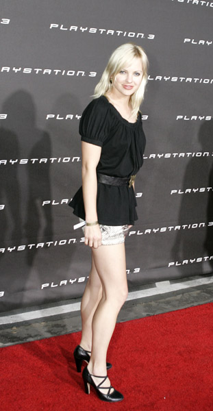 AnnaFaris_Weeks_11306043_600