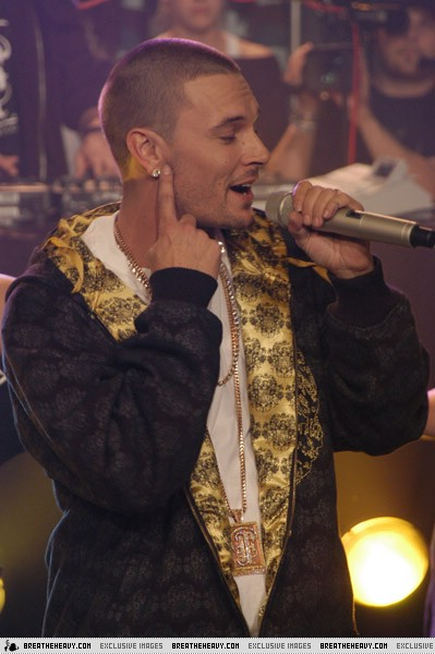 kevin-muchmusic15