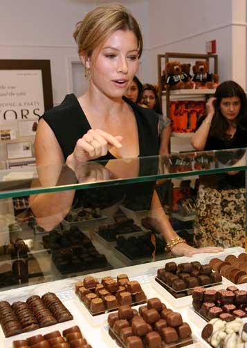 Jessica Biel Eats Chocolate Too!