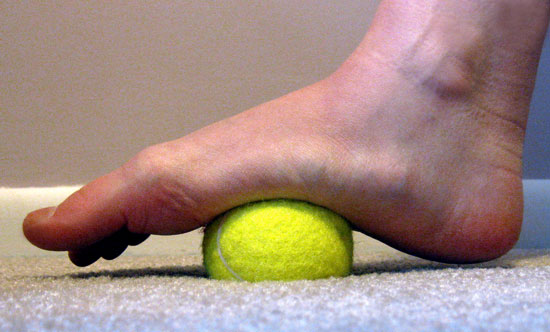The Tennis Ball Trick That Can Relieve Back, Neck Or Knee Pain In Seconds