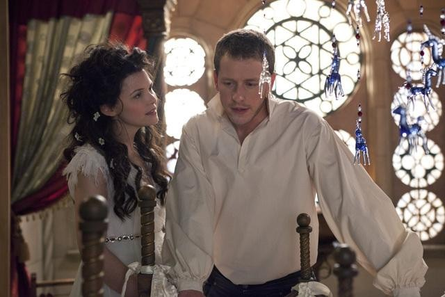 Ginnifer Goodwin and Josh Dallas on ABC&#039;s Once Upon a Time.</p> <p>Photo copyright 2011 ABC, Inc.