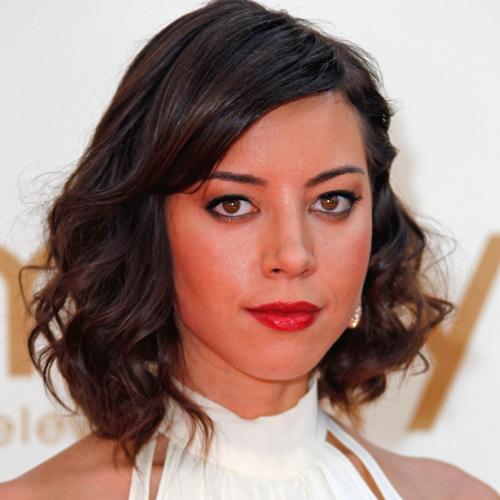 How To Create Aubrey Plaza S Emmys Hair Popsugar Beauty