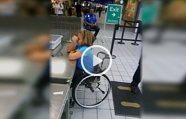 Mom Upset over Handling of Daughter in Wheelchair (VIDEO)