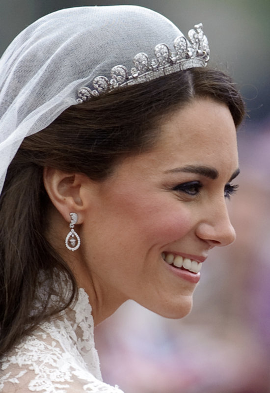 kate middleton in lotus tiara popsugar celebrity