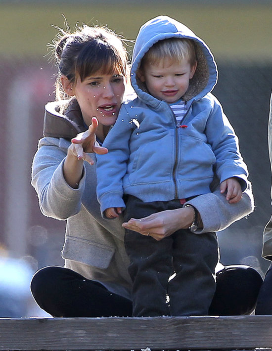Jennifer Garner with son Samuel as 'there is no reconciliation ...
