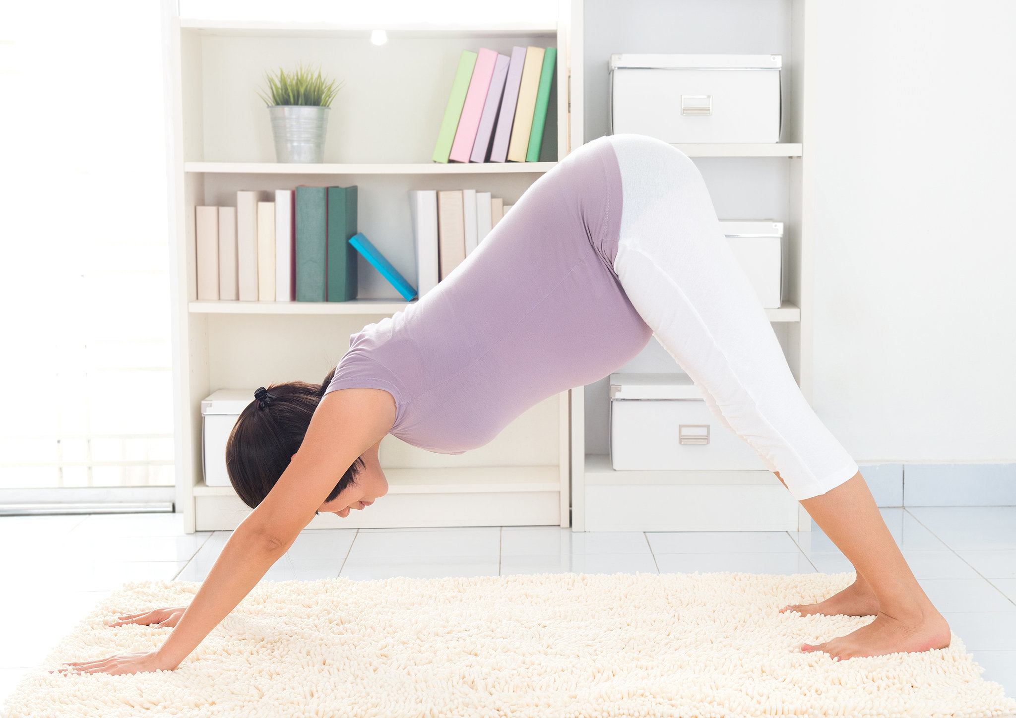 yoga moves for pregnancy pains | popsugar moms